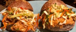 Кето сэндвич с томленой курицей
