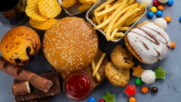 Фаст фуд и приступы голода