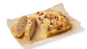 Кето хлеб с беконом и сыром