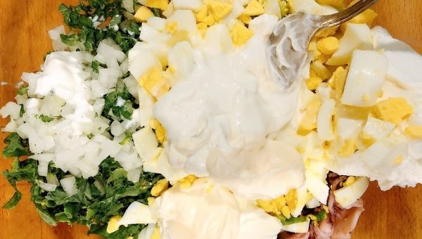 Заправить кето салат с майонезом